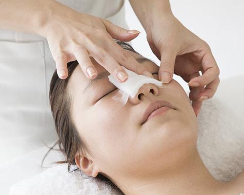 để nâng mũi đẹp cần chăm sóc hậu phẫu chu đáo