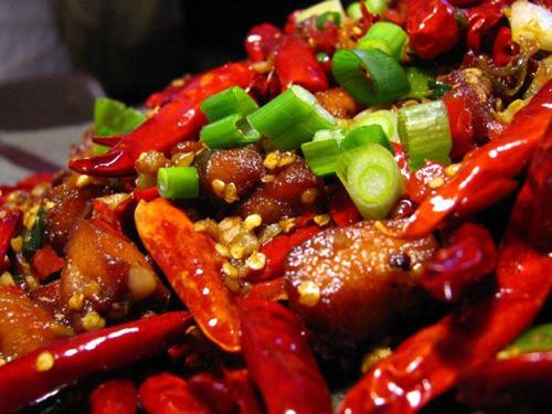 kiêng ăn đồ ăn cay nóng sau khi nâng sửa mũi