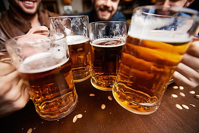 hạn chế hoặc kiêng rượu bia sau khi nâng sửa mũi