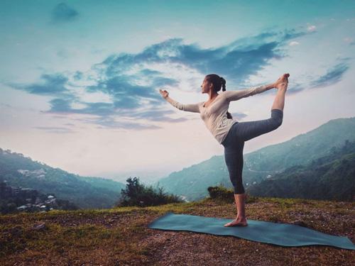 không nên tập yoga ngay sau khi nâng mũi